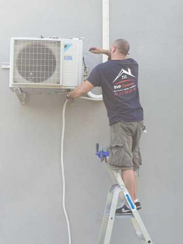 Travaux-de-Plomberie-climatisation-94